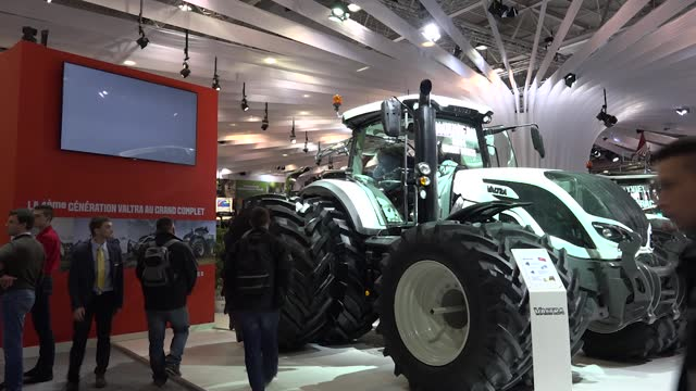 [Vidéo] Tracteur Valtra - Plein gaz sur le projetméthane!