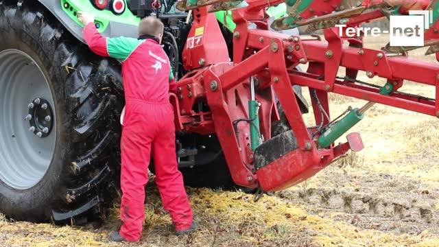 Essai Charrue Kverneland 2500 S I Plough Thierry Chatelain Agriculteur Un Attelage Pivotant Pour Plus De Scurit